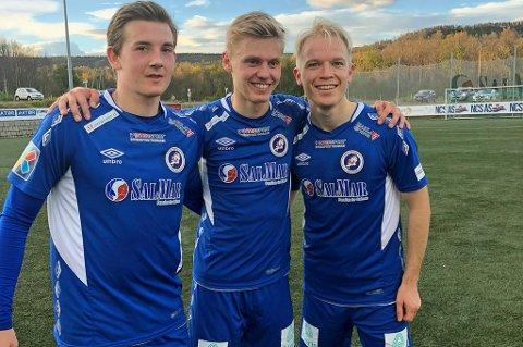 KLAR FOR SERIEFINALE: Christer Johnsgård (til høyre) og FK Senja-guttene herjet med Sortland sist helg (8-0-seier). Denne søndagen er det nærmest en ren seriefinale mot Lyn i Oslo som venter.