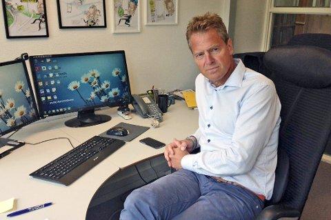 ALVORLIG: Advokat Jens Johan Hjort representerer omsorgsfirmaet Bo og Bistand AS i saken mot Lenvik kommune.