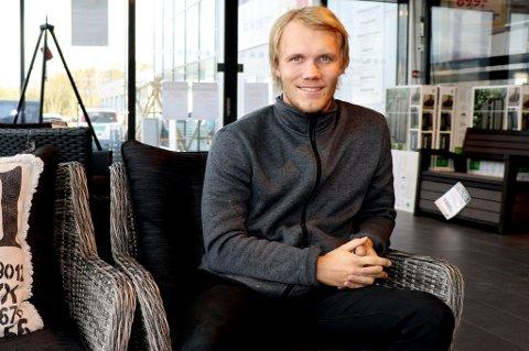 JERNMANN: Andreas Fiva er avdelingsleder for jernvarer ved Montér i Tromsø, og spiller helt på grensa (og av og til over den) på fotballbanen for Skarp. Ifølge NFFs statistikker har han hentet med seg 27 gule og ett rødt kort på 53 seriekamper for Skarp de fire siste årene.