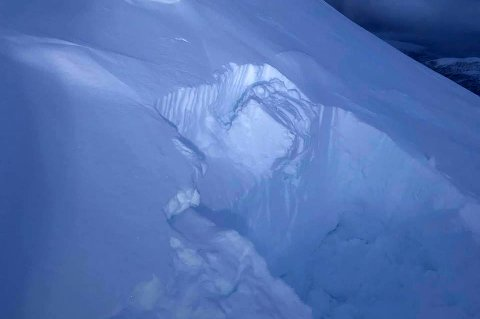 Snøprofilen til Karl Ola Berglund viser at det øverste laget med nysnø lett sklir ut. Fersk fokksnø kan gi flakskred.