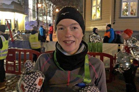 FØRST I MÅL: Hilde Aders var første kvinne i mål i halvmaraton-klassen - og fikk en perfekt start på 2019.