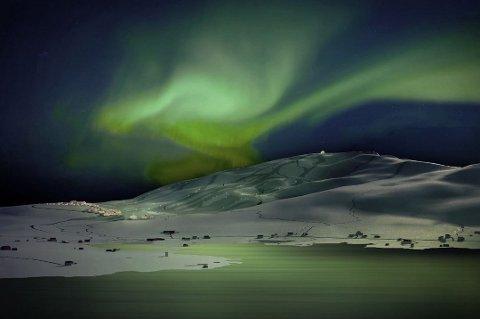 ALPINLANDSBY: Salg av hyttetomter skal finansiere Arctic Center. Nå er hyttefeltet og alpinanlegget nok et skritt nærmere realisering.