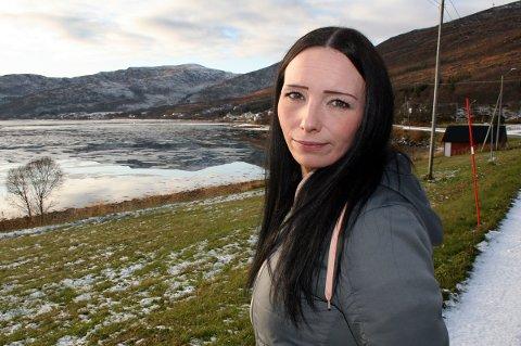 ÅPENT LANDSKAP: Hjemme i Botnhamn prøver Ruth Meyer Johansen å komme seg videre i livet, fem år etter sjokket i Syria.