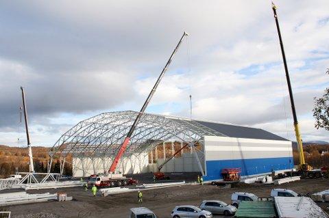 Senja storhall er under bygging på Silsand.