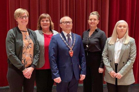 NY TID: Kvinnesterkt formannskap i Sørreisa, med Hanne Fredriksen (t.v.), May-Tove Grytnes, Jan-Eirik Nordahl, Lise Løvland og Linn-Charlotte Nordahl.