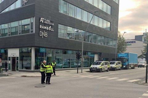 REKONSTRUKSJON: Rundt klokka 14 skal dødsulykken i krysset Grønnegata/Fredrik Langesgate rekonstrueres. Gata blir sperret mens dette pågår.