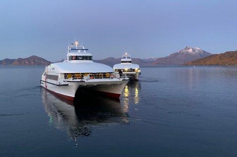 UTE AV DRIFT:  Hurtigbåten MS Sollifjell. Her fotografert etter motorhavariet for to uker siden..