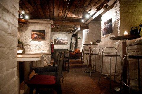 SLUTT FOR SIVERTSENS: Rådstua teaterhus har hatt kafé i kjellerlokalene i rundt elleve år, men nå er avtalen sagt opp. Et par av kafeens stamkunder har foreslått kronerulling for å videreføre konseptet et annet sted.