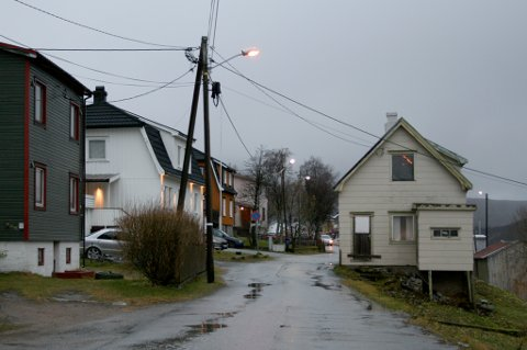 LITE LIV: Gryllefjord i Torsken kommune en grå dag i november 2018.