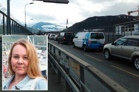 VILLE STENGE BRUA FOR TRAFIKK: Elin R. G. Johansen, leder for Personskadeforbundet i Tromsø, søkte om å få demonstrere langs veibanen på Tromsøbrua, men fikk avslag.