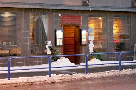 LOVEN: Ottos pub på Finnsnes brøt smittevernloven. Nå må utestedet ta straffen.