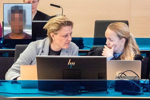 DRAP I 1998: En 38 år gammel mann (innfelt) fra Sri Lanka er tiltalt for drapet på Marie-Louise Bendiktsen (59) på Sjøvegan for over 20 år siden. Her er politioverbetjent Katrine Grimnes (til venstre) og konstituert statsadvokat Kirsti Jullum Jensen i rettssaken mot mannen. Grimnes har vært sentral i etterforskningen de senere årene.