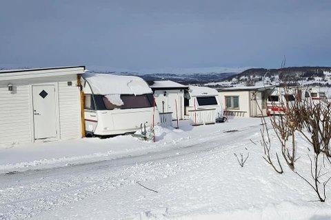 PROTESTERER: Er det riktig at campingplassen skal betale eiendomsskatt for spikerteltene? Senja Camping har klaget på den nye takseringa.