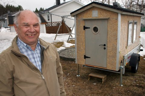 KREATIV: Viggo Simonsen bygde hytte på hengeren for å holde seg varm og tørr på fisketurer.