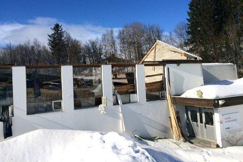 KOLLAPSET: Taket på det gamle gymsalbygget på Heimly har kollapset.