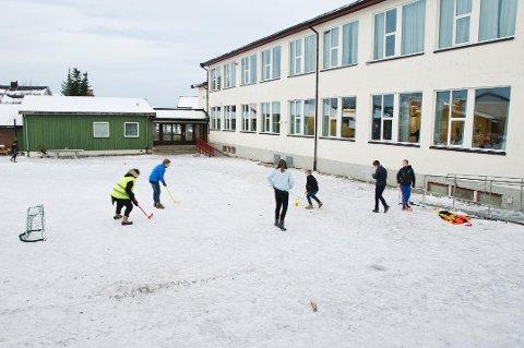 NYE BRAKKER: Tromsdalen skole fyller 60 år i 2019, og det nye skolebygget er under planlegging. Men kanskje må det på plass en ny brakkerigg først.