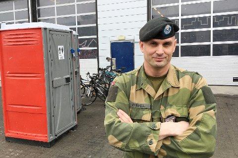 SYNGER UT: Plassmajor Dag A. Myrvoll i Skjold leir mener Forsvaret er utsatt for vaskesvindel av ISS.