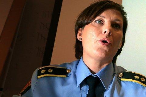 TILBAKEHOLDEN: Etterforskningsleder Lene Fabek har foreløpig lite å meddele om narkotikasaken Tromsø-politiet har under opprulling.