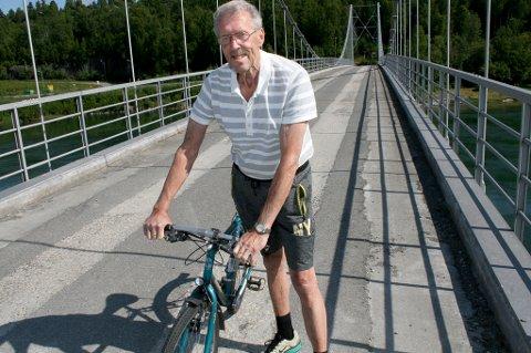 TILBAKE: Erik Lindquister har ikke tatt skrekken etter sykkelulykka på den gamle Målselvbrua ved Olsborg.