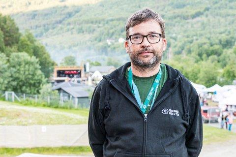 SNUSER PÅ REKORD: Daglig leder på Riddu Riddu-festivalen, Magne Wilhelmsen, har tro på at omsetningen av billettinntekten kan nå over to millioner i år.