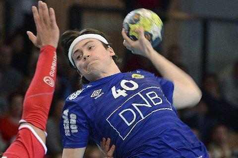 Daniel Jakobsen risikerer å miste U20-VM i håndball i Makedonia på grunn av kneskade.
