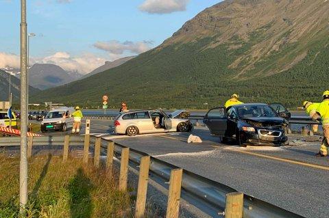 To personbiler har vært involvert i en trafikkulykke i Nordkjosbotn.