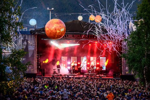 GOD STEMNING: Slik så det ut da Ina Wroldsen spilte på Rakettnatt lørdag. Foto: Markus Kristoffer Dreyer