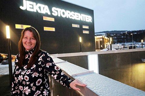 BRØT BARRIERE: Senterleder Laila Myrvang og Jekta Storsenter brøt den magiske grensen på to milliarder i omsetning i 2019.