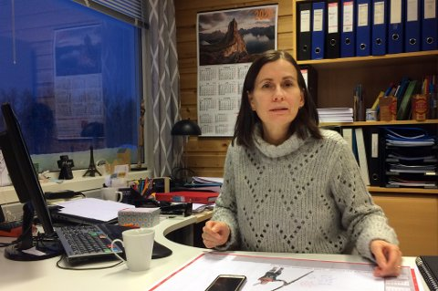 ROLIG: Rektor Anette Sørensen Rege ved Nordborg-skolene på Finnsnes stoler på politiets vurdering av truslene.
