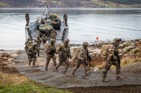 VIL HA FLERE: 600 nederlandske mareineinfanterister trente på Skjold i 2018. Nå kan det bli flere utenlandske soldater i Nord-Norge.