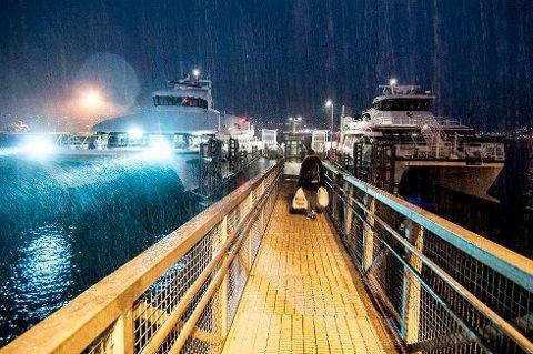 MILLIONØKNING: Hurtigbåter og ferger i Troms og Finnmark kan få millionøkning til drift neste år. Men årets kutt består og trer i kraft 1. mars.