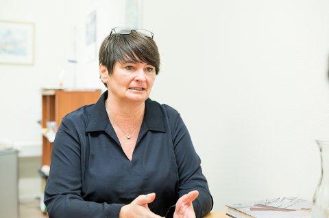 TRAFIKK: Ordfører Mona Pedersen i Karlsøy kommune er bekymret for trafikksikkerheten.