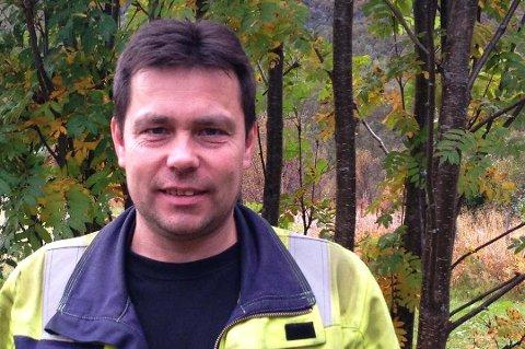 SKEPTISK: Fagforeningsleder Geir Holmtun ber eierkommunene om å si nei til fusjonsplanene.