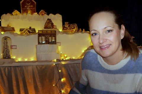 JULEFRED: Cecilie Bye sier at lukta av pepperkaker gjør noe med folk.