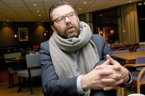 MØRKETID: Rådmann Hogne Eidissen vil gå drastisk til verks for å få økonomien i Senja kommune på fote.