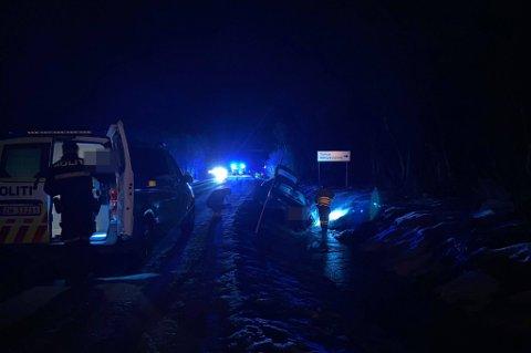 KOLLISJON: To personbiler kolliderte i Håkøybotn onsdag kveld.