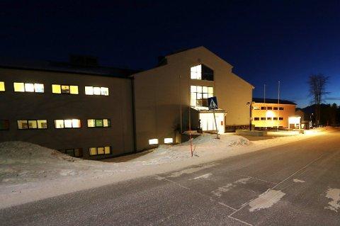 KLAR FOR KJØP: Lærerhøgskolens gamle lokaler på Mellomvegen er nå  klare for salg til kommunen. Studentene får nye lokaler i Breivika til høsten.