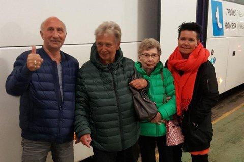 PÅ TUR: Tor-Harald Henriksen, Inger Holm, Gerd Holm og Kate Holm er på vei nordover igjen. Det til tross for at turen fra Tromsø ikke gikk helt etter planen.