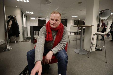 DÅRLIG HÅNDTERT: Fylkesrådsleder Bjørn Inge Mo (Ap) mener myndighetene har håndtert koronautrbuddet svært dårlig.