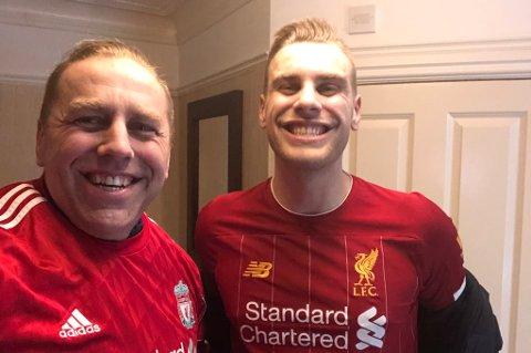FØR KAMP: Dette bildet, av Jardar Johansen og sønnen Isak Hamnes Johansen, ble tatt før Liverpool møtte Atletico Madrid i kvartfinale i Champions League onsdag. Fotballturen har blitt langt mindre innholdsrik enn planlagt.
