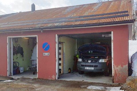 BLE STENGT: Brannstasjonen på Gibostad kan ikke brukes av mennesker, mener hovedverneombudet.