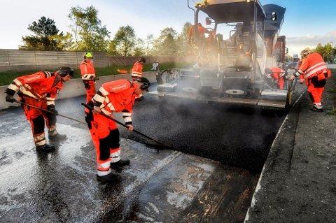 ASFALTERES: Så snart telen er ute av jorda skal en rekke strekninger i Troms få ny asfalt.