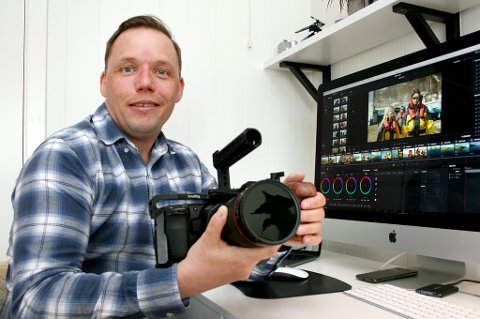 FULLT KJØR: Stein Eirik Simonsen startet eget filmforetak like før koronakrisa kom, og har så mye å gjøre at dagene ikke strekker til.