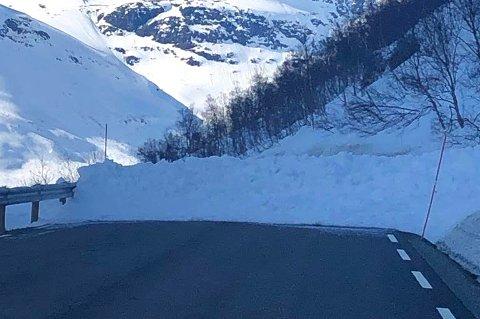 SKRED: Statens vegvesen håper at veien åpner igjen torsdag kveld.
