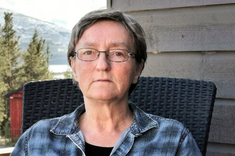 FIKK NULL: Anne Helene Wiik i Skibotn synes det er urettferdig at hun straffes økonomisk for å ta seg av sin syke datter.