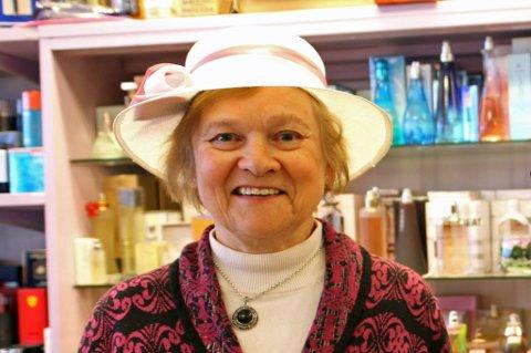 DØD: Randi Henriksen døde den 19. mai, 81 år gammel. Henriksen drev i en årrekke butikken Randi Parfymeri i Storgata.