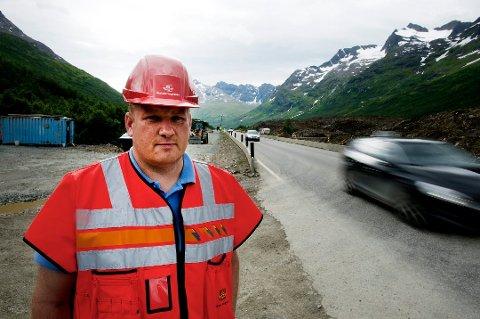 E8-PLANER: Dersom alt går som planlagt, kommer nye E8 til politisk behandling i Tromsø kommune i august. Her er prosjektleder Jøran Heimdal i Statens vegvesen.