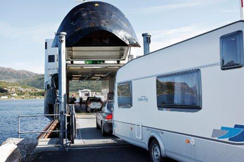 På ferga mellom Brensholmen og Botnhamn nytter det ikke å ha autopassbrikke.