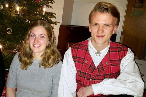 SØSKEN: Storesøster Hilde og lillebror Håkon likte seg veldig godt sammen, her i jula 2016.