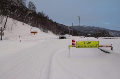 KLARSIGNAL: Regjeringa gir startsignal for nyveien over Kvænangsfjellet. Den skal stå ferdig i 2024.